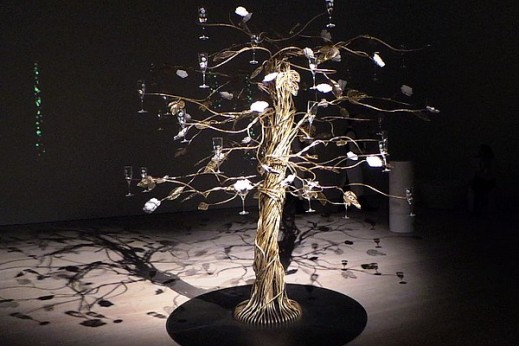 enchanting-tree-by-tord-boontje-for-perrier-jouet-07