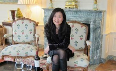 Waiting for other guests to arrive at Chateau Latour_Xlatour book
